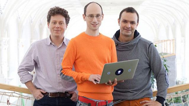 Les 3 fondateurs de Prezi sur Prezcreation agence de communication Prezi